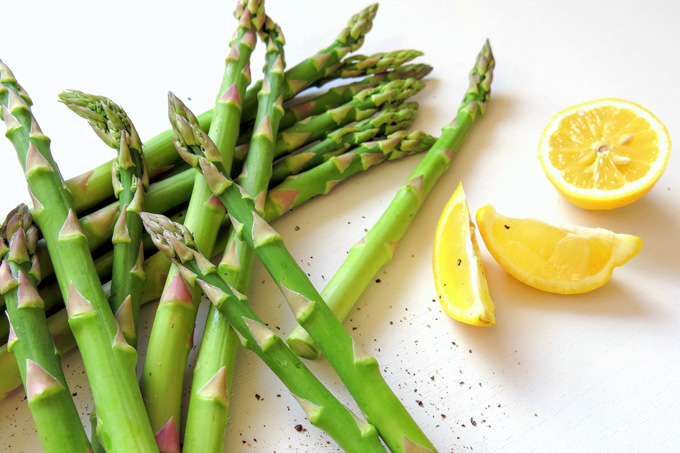 Cover image: http://ideliciate.com/lemon-pepper-roasted-asparagus/